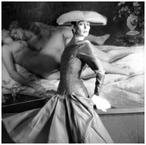 dorian-leigh-con-un-vestito-di-jacques-heim-henry-clarke-1955-museo-galliera-museo-della-moda-della-cittc3a0-di-parigi.png