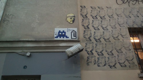 Space invader Montmartre.jpg