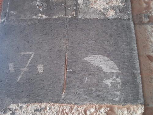 urban art place des vosges.JPG